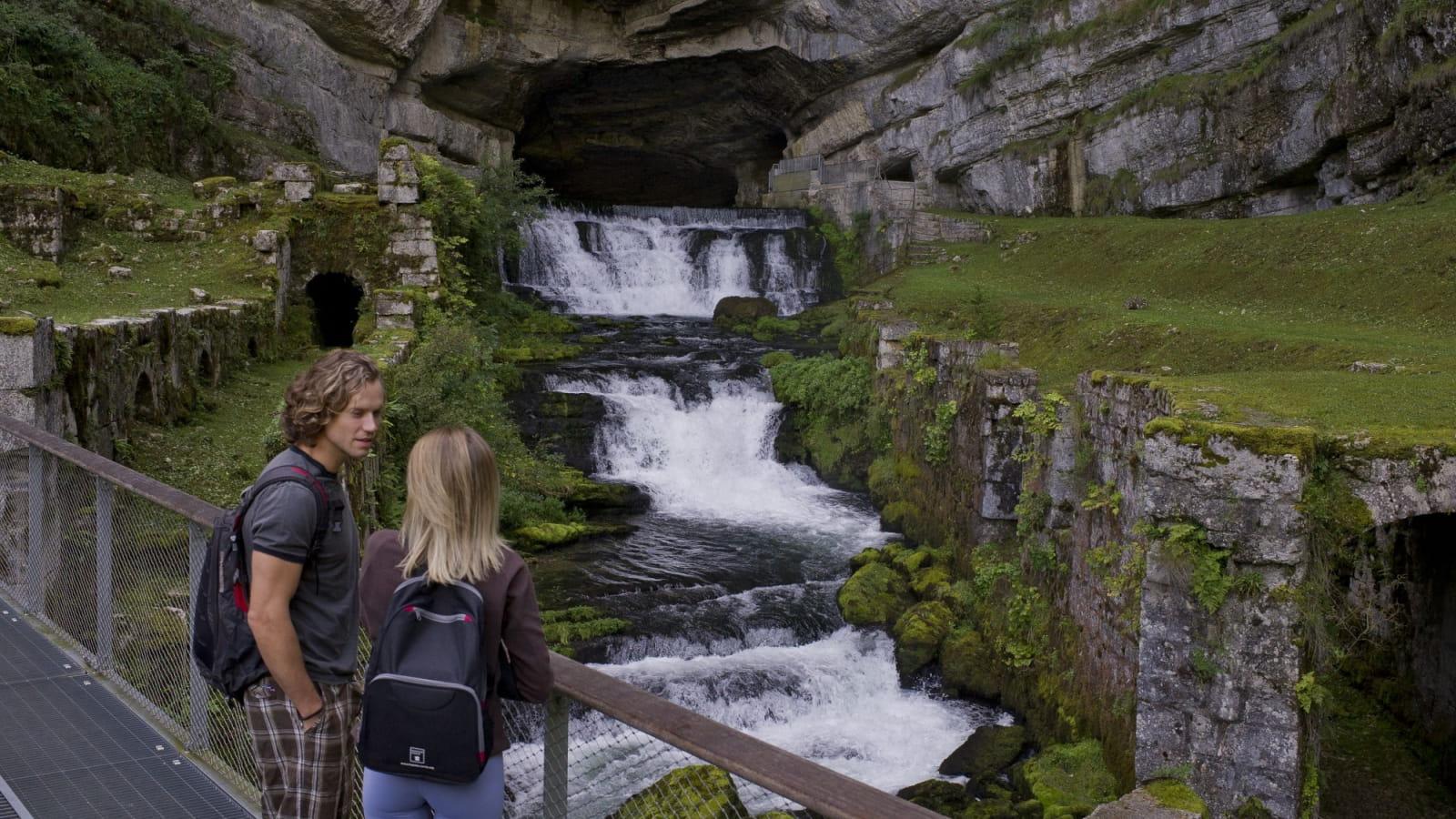 Visite et tourisme à la source de la Loue