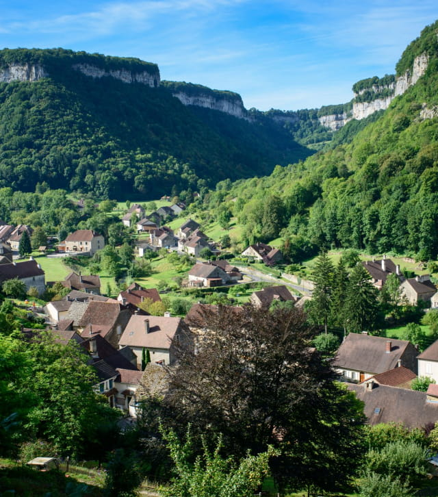 La reculée de Baume-Les-Messieurs dans le Jura