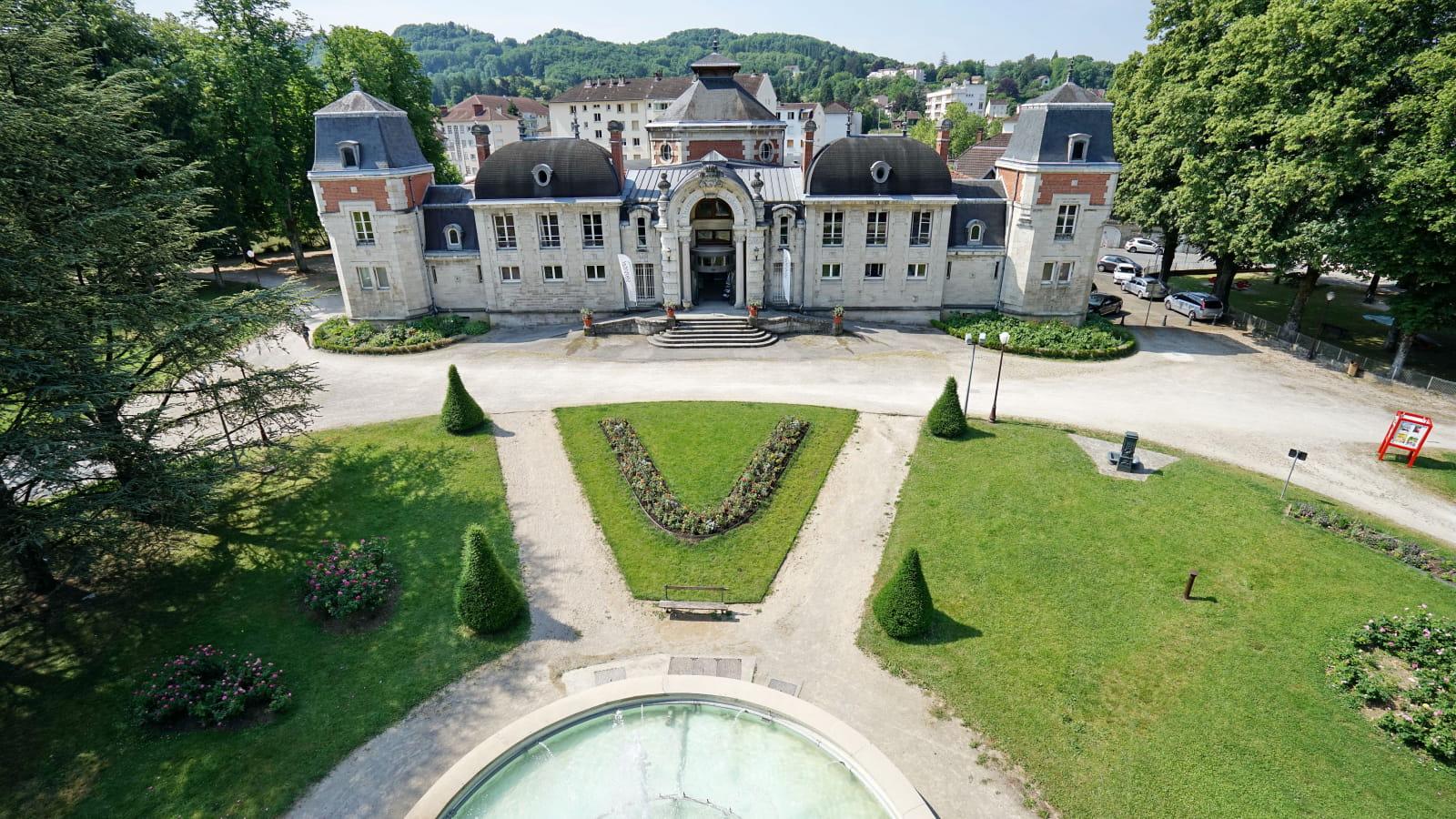 Visiter Lons-le-Saunier et ses thermes dans le Jura