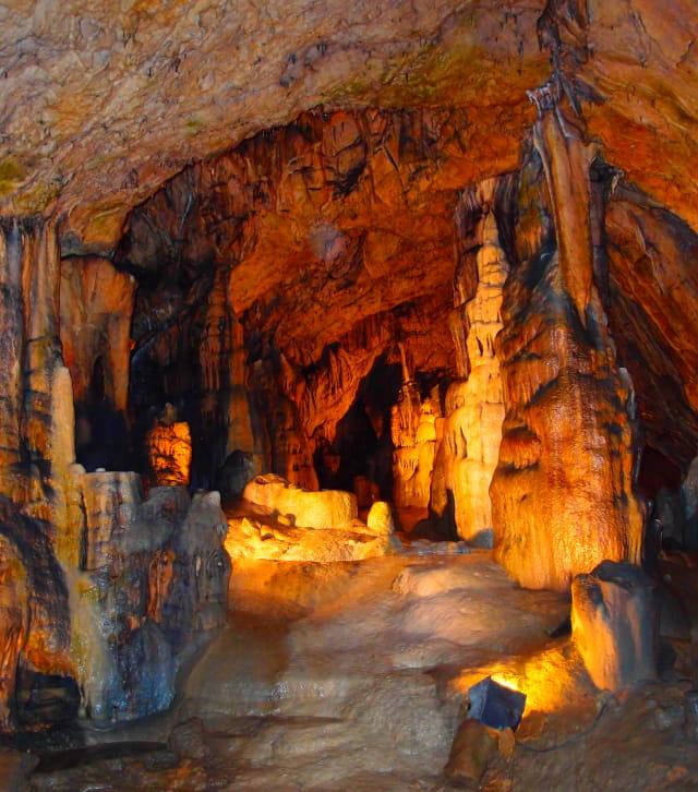 Visiter la grotte d'Osselle près de Besançon