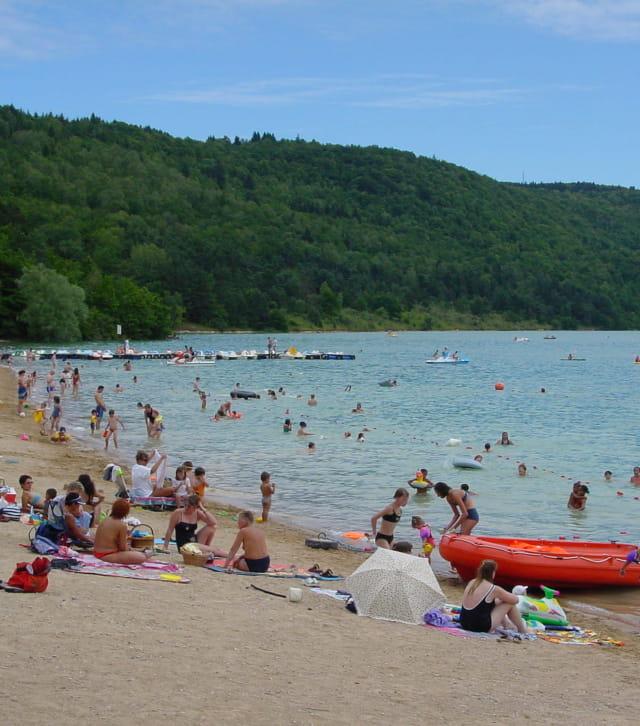 Se baigner dans le Jura au lac de Vouglans