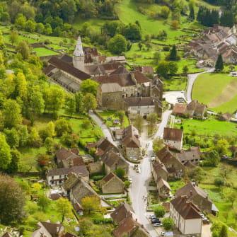 Baume-Les-Messieurs et l'abbaye Saint-Pierre