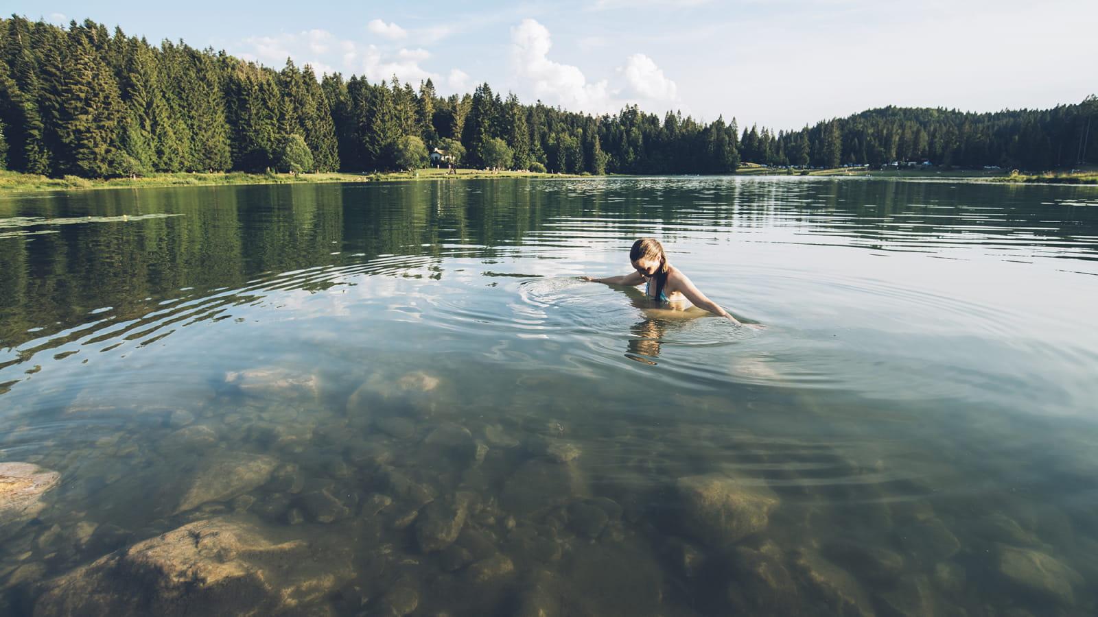 Baignade l'été au lac Genin