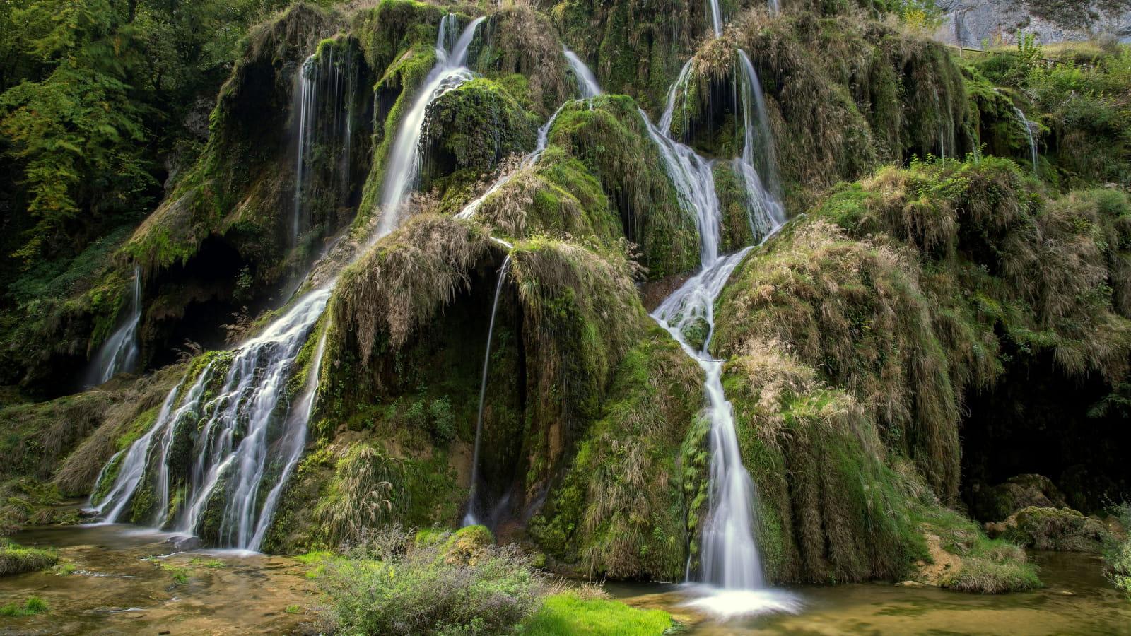 Cascades des tufs à Baume-les-Messieurs