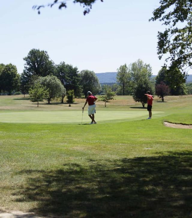 Joueurs au golf de Besançon
