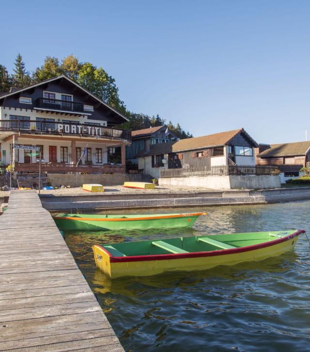Port-titi et le lac Saint-Point à l'automne