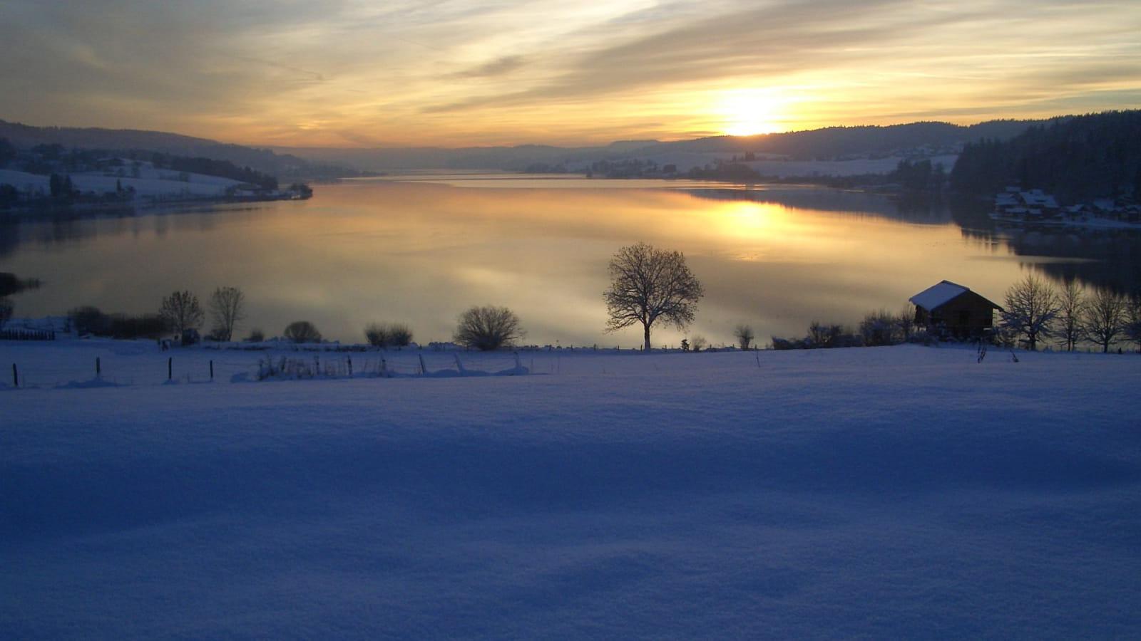 Lac de Saint-Point en hiver