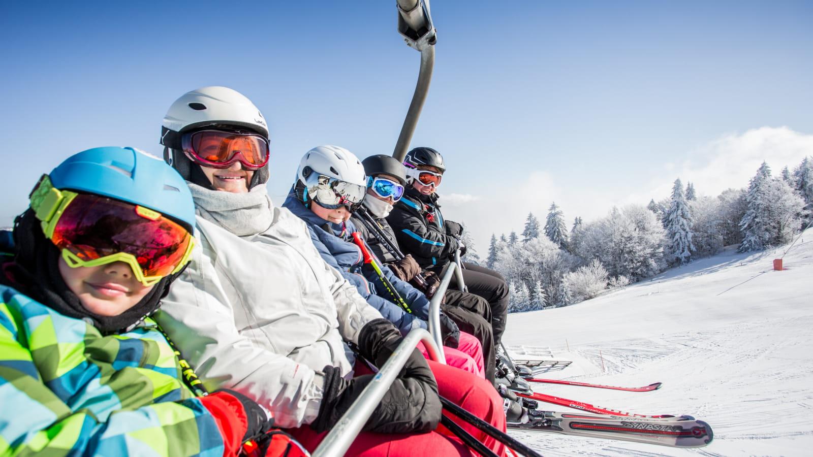 A Métabief, aux Rousses ou aux Monts Jura, profitez de domaines alpins sportifs et authentiques
