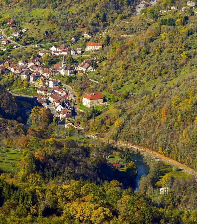 La vallée de la Loue en automne