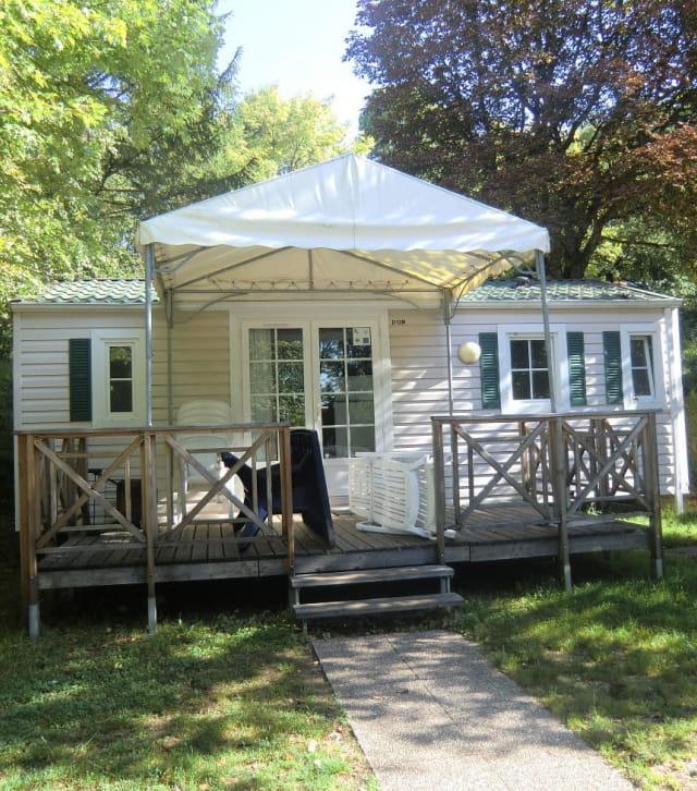 mobile-home du camping la Pergola dans le Jura