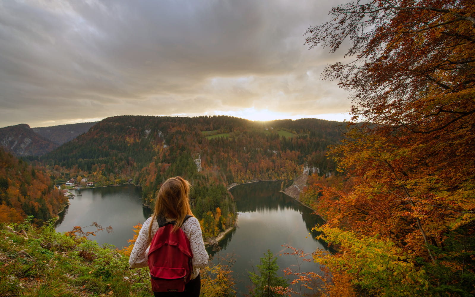 Vue depuis le Belvédère du Saut du Doubs en automne